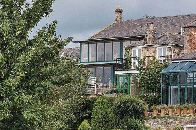 5 Bedrooms Terraced House for sale in Front Street, Corbridge