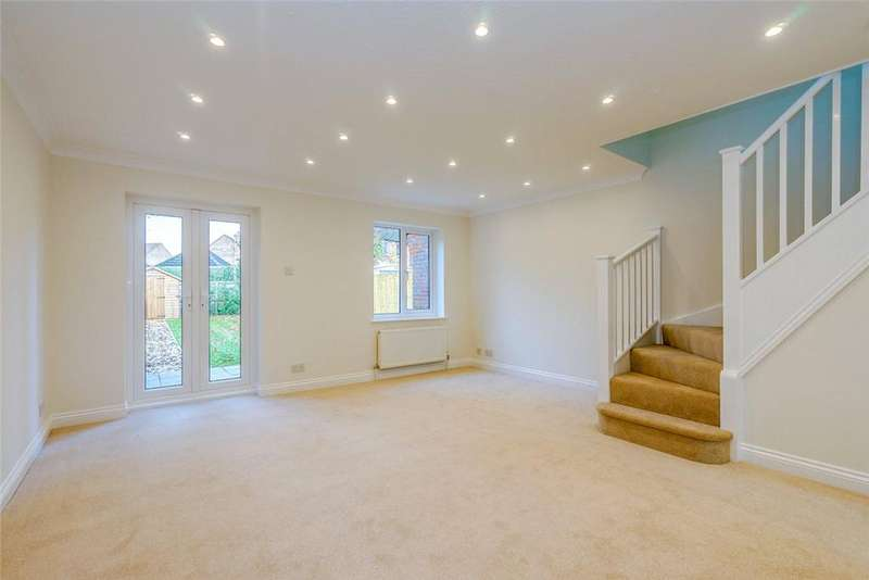 3 Bedrooms Detached House for sale in Simmons Field, Thatcham, Berkshire, RG18