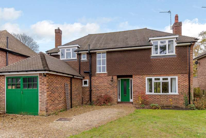 3 Bedrooms Detached House for sale in West Byfleet
