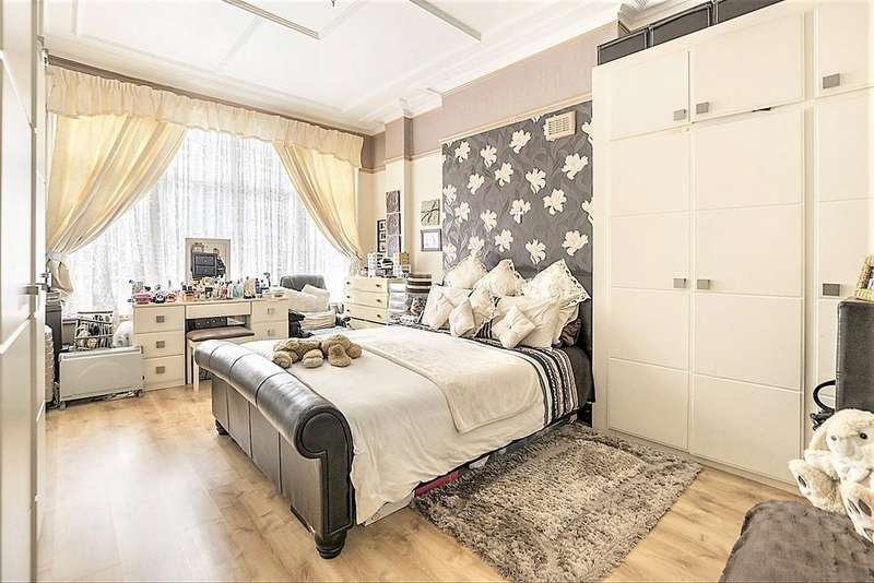 3 Bedrooms Flat for sale in Chatsworth Road Cricklewood, London, NW2