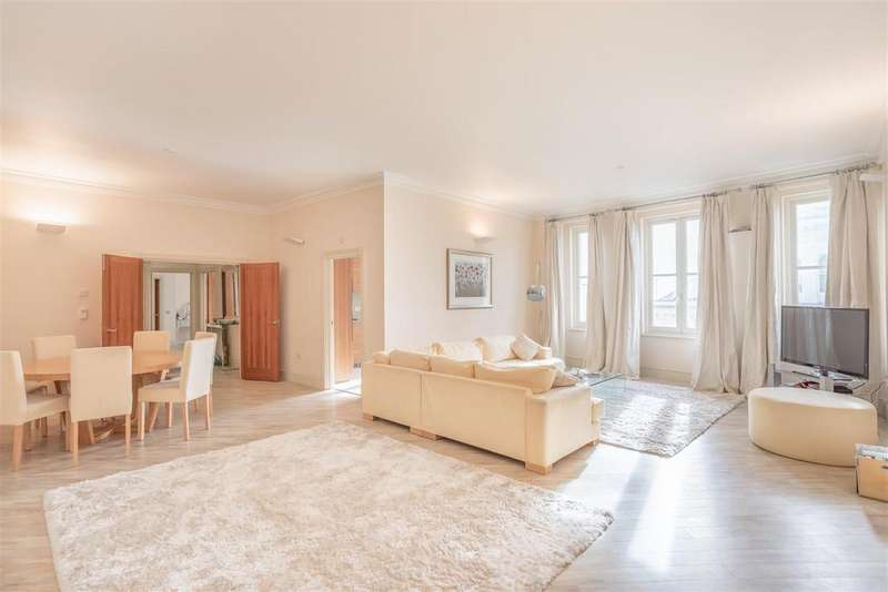 2 Bedrooms Apartment Flat for sale in Holland Road, Hove