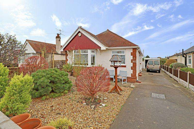 3 Bedrooms Detached Bungalow for sale in Catherine Avenue, Prestatyn