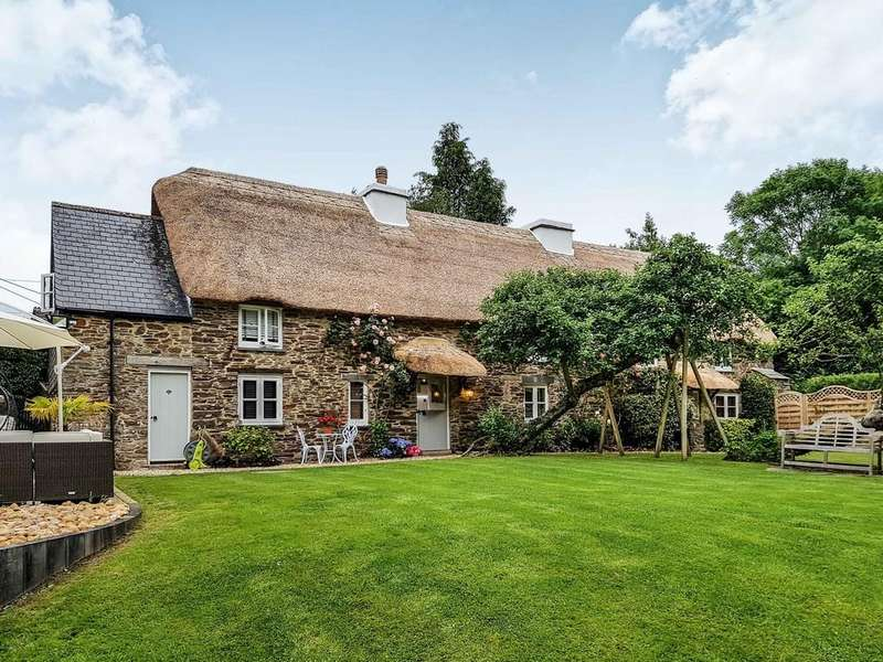 4 Bedrooms Cottage House for sale in Bickleigh, Plymouth
