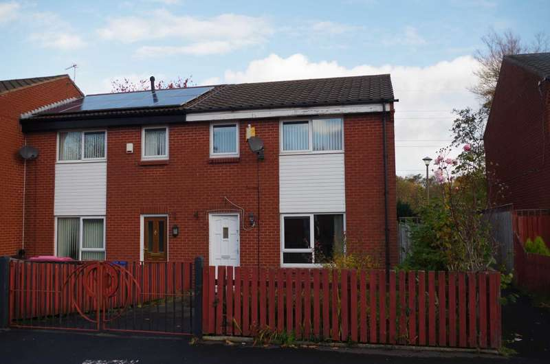 3 Bedrooms Semi Detached House for sale in Little Hulton