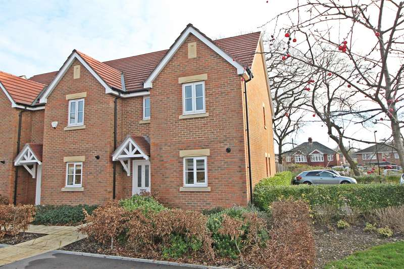 3 Bedrooms End Of Terrace House for sale in Jellicoe Drive, Sarisbury Green, Southampton, SO31 7NW