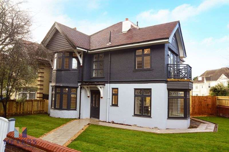 4 Bedrooms Property for sale in Belle Vue Road, Bournemouth