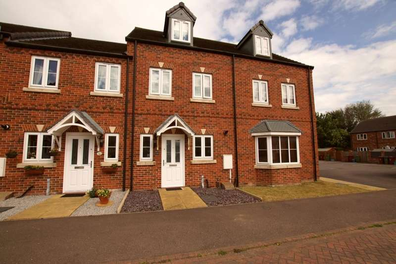 3 Bedrooms Terraced House for sale in Fusilier Way, Kirton Lindsey, Gainsborough, DN21