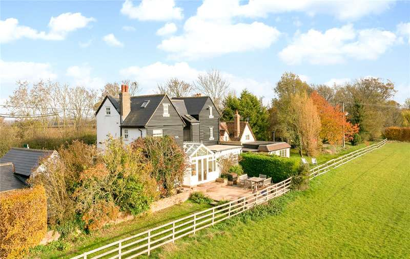 5 Bedrooms Semi Detached House for sale in Bishopstone, Aylesbury, Buckinghamshire, HP17