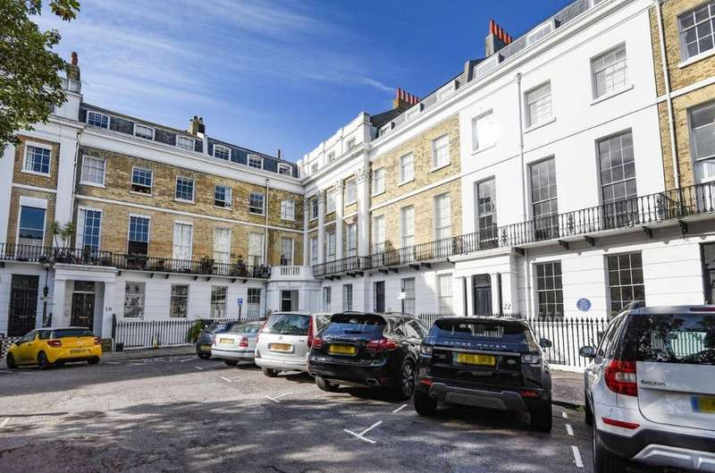 3 Bedrooms Flat for sale in Sussex Square, Brighton, East Sussex, BN2