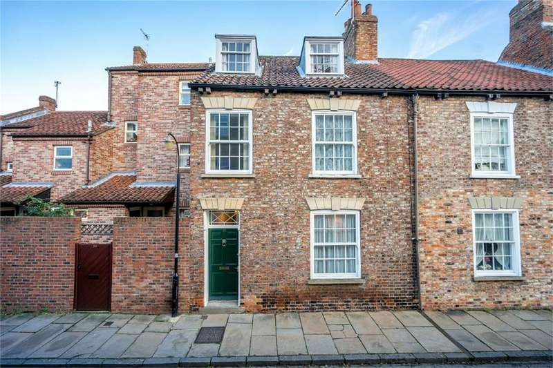 4 Bedrooms End Of Terrace House for sale in Aldwark, York