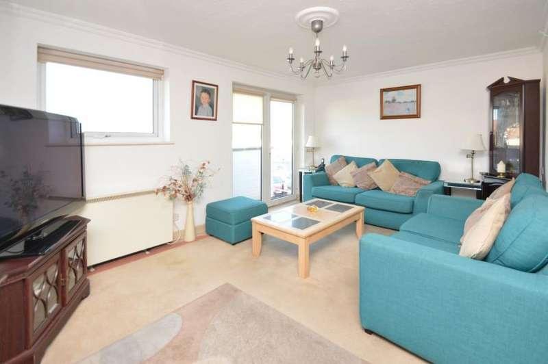 2 Bedrooms Flat for sale in Dedworth Road, Windsor