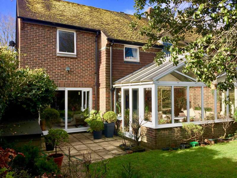 4 Bedrooms Semi Detached House for sale in Wood Green , Woodcote