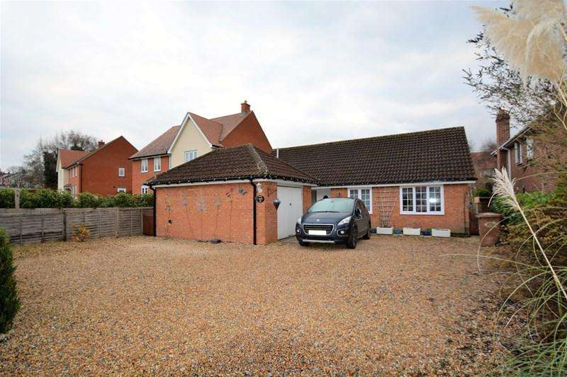 3 Bedrooms Detached Bungalow for sale in Picket Piece, Andover