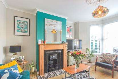 3 Bedrooms Terraced House for sale in Sandown Road, Brislington, Bristol, Brislington