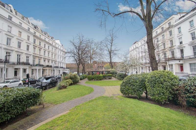 2 Bedrooms Property for sale in St. Stephens Gardens, London W2