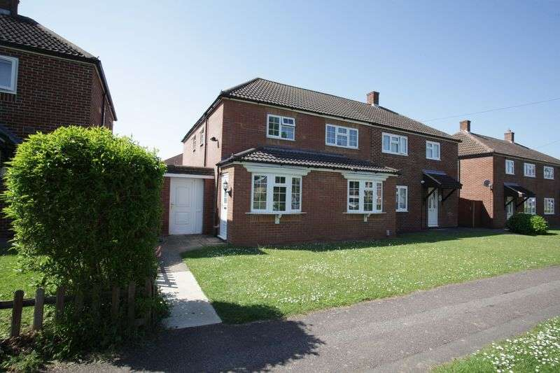 4 Bedrooms Property for sale in Milestone Road, Hitchin