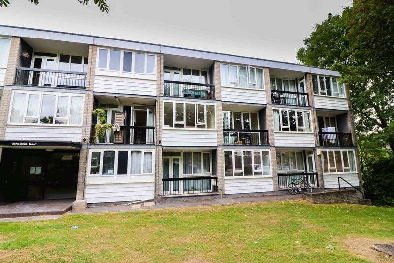 2 Bedrooms Property for sale in Ashbourne Close, London