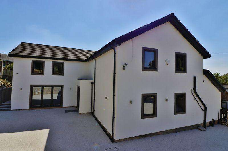 4 Bedrooms Detached House for sale in Sweet Briar Lane, Shawclough, Rochdale