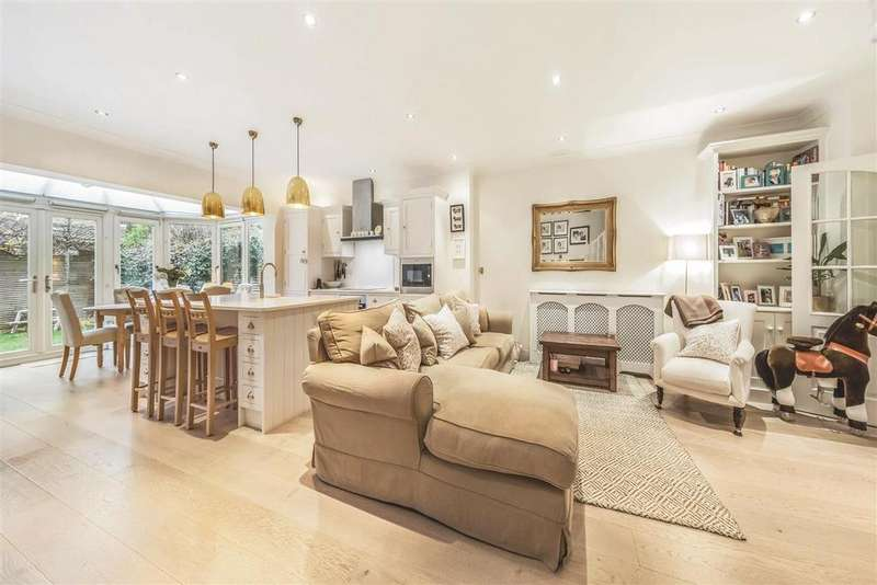 4 Bedrooms Terraced House for sale in Wycliffe Road, SW11