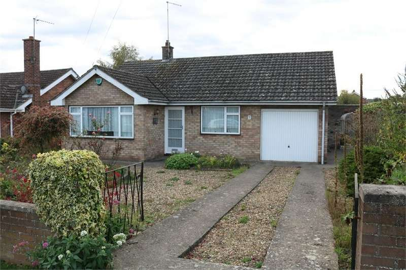 2 Bedrooms Detached Bungalow for sale in Cecil Close, BOURNE, Lincolnshire