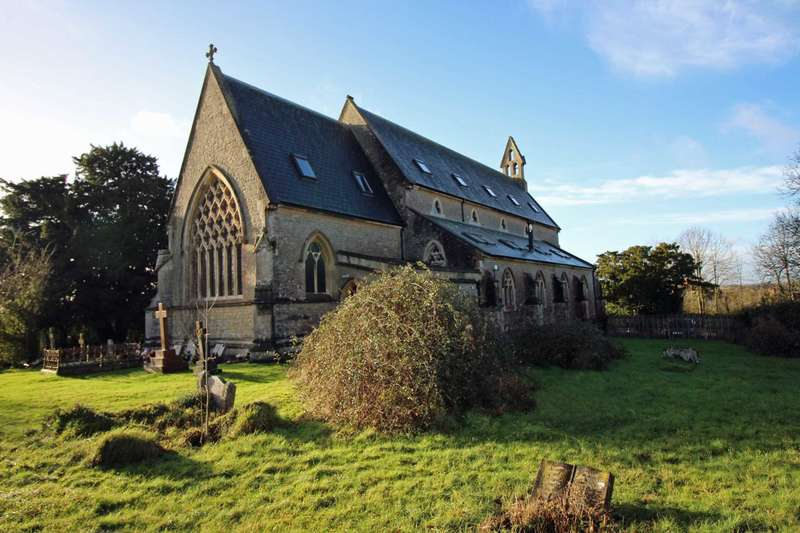 4 Bedrooms Detached House for sale in Church Road, Westbury
