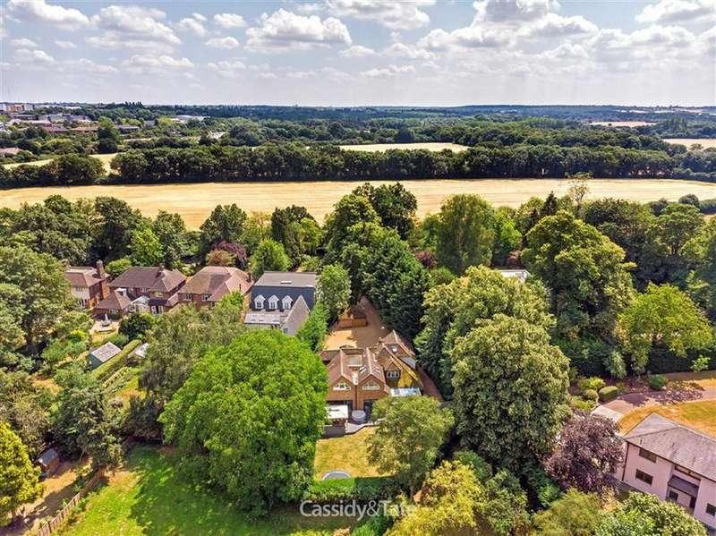 4 Bedrooms Detached House for sale in Wilkins Green Lane, Ellenbrook, Hertfordshire