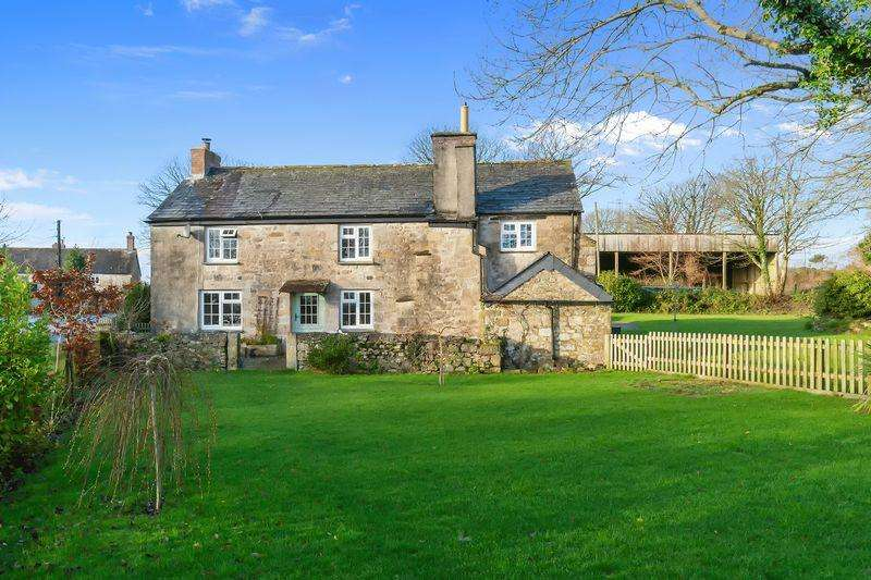 4 Bedrooms Detached House for sale in Tredinnick, Lanhydrock