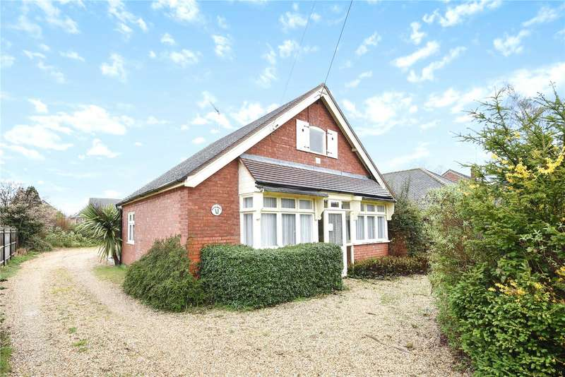 2 Bedrooms Detached Bungalow for sale in Warfield Street, Warfield, Bracknell, Berkshire, RG42