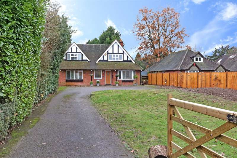 4 Bedrooms Detached House for sale in The Meadway, Tilehurst, Reading