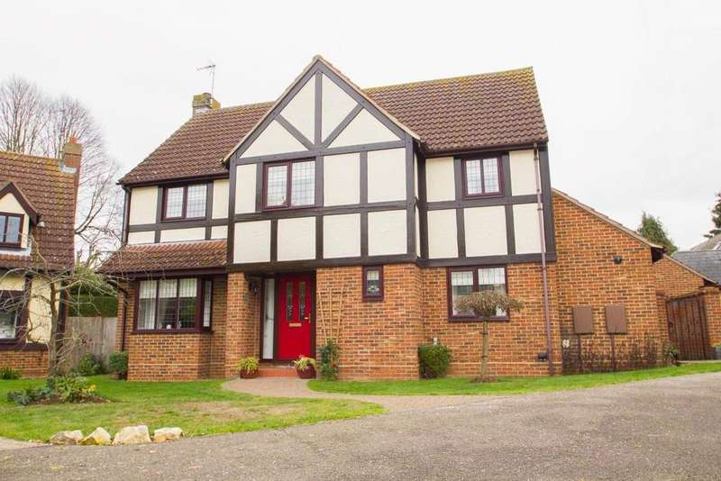 5 Bedrooms Detached House for sale in Hall Farm Close Feering