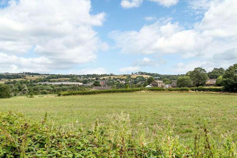4 Bedrooms Detached House for sale in Bog Green Lane, Huddersfield