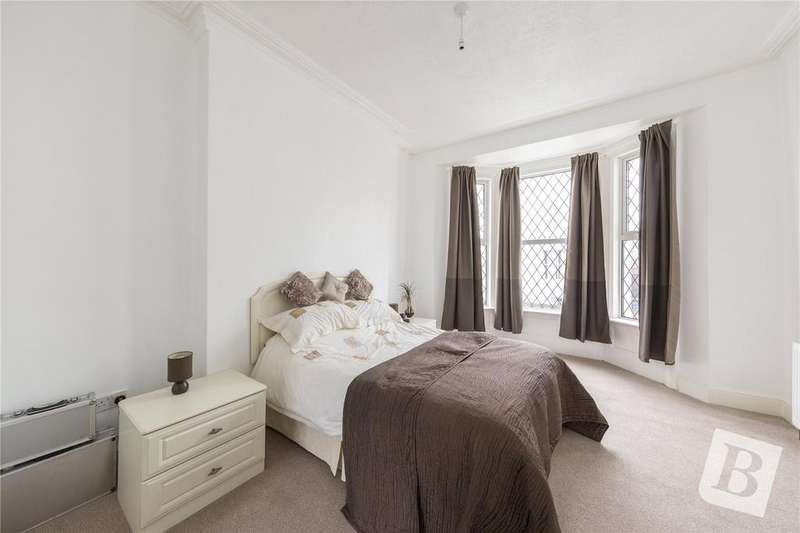 4 Bedrooms Terraced House for sale in Cobham Street, Gravesend, Kent, DA11