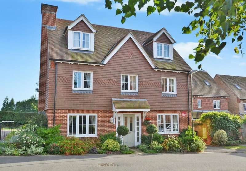 5 Bedrooms Detached House for sale in Petworth, West Sussex