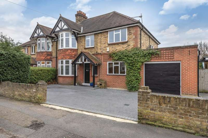 5 Bedrooms House for sale in Staines-upon-Thames, Surrey, TW18