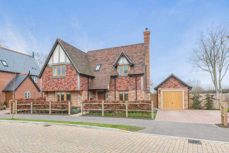 3 Bedrooms Detached House for sale in Lavender Fields, Isfield, East Sussex