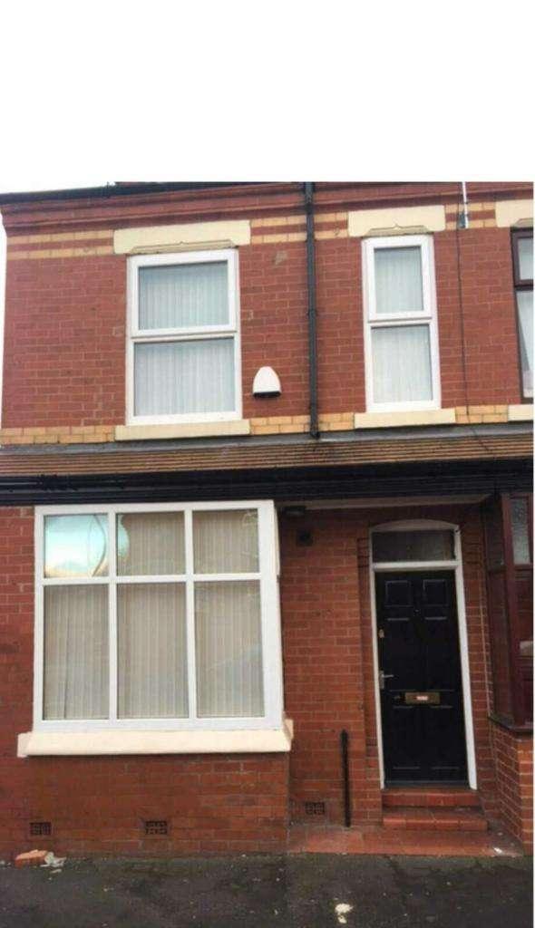 5 Bedrooms Terraced House for sale in Romney Street, Salford