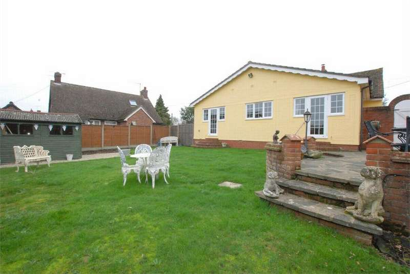 3 Bedrooms Detached Bungalow for sale in Coggeshall Road, Earls Colne, Essex