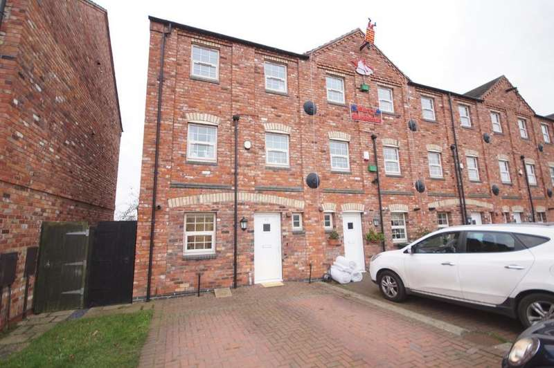 4 Bedrooms Town House for sale in North Hykeham, Lincoln