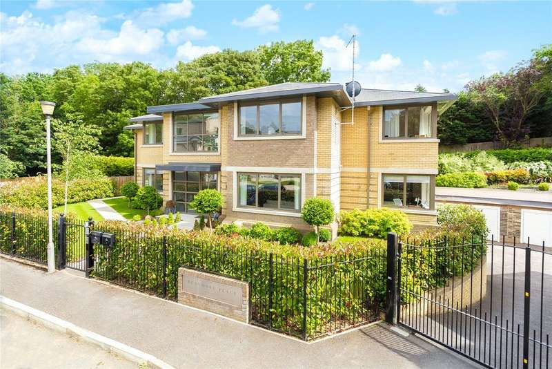 3 Bedrooms Flat for sale in South Park View, Gerrards Cross, Buckinghamshire