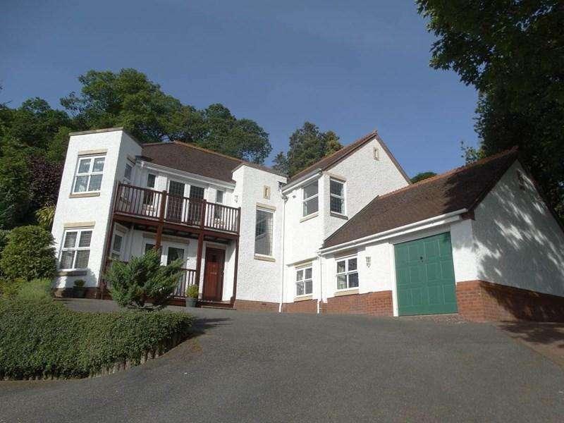 4 Bedrooms Detached House for sale in 67 Oak Drive, Colwyn Bay