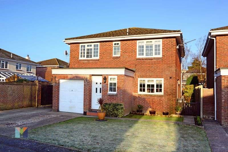 4 Bedrooms Property for sale in Sandringham Close, Bournemouth