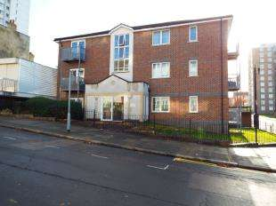 House for sale in Wynter Court, Glyndon Road, Woolwich, London