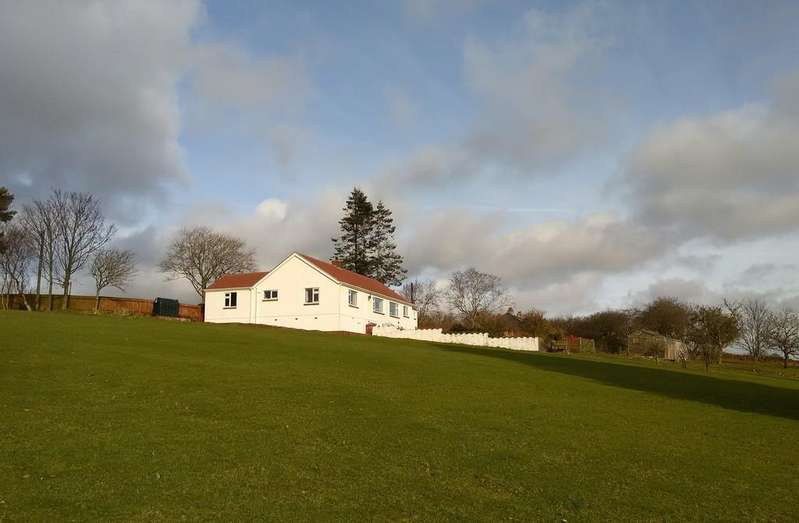 3 Bedrooms Detached Bungalow for sale in Shaw Wood Road, Nr. Micklethwaite, Carlisle