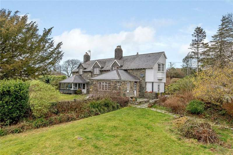 5 Bedrooms Detached House for sale in Lon Ednyfed, Criccieth, Gwynedd, LL52