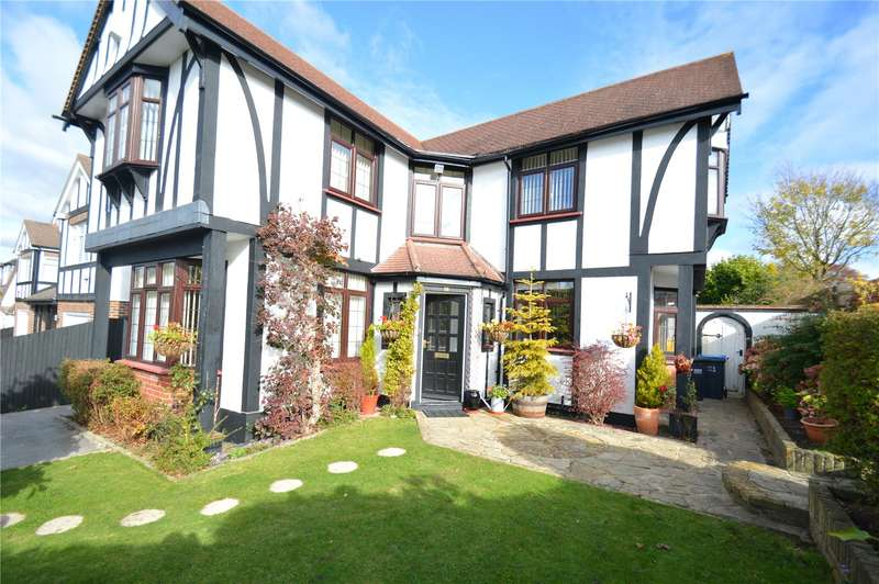 5 Bedrooms Detached House for sale in Sanderstead Court Avenue, South Croydon
