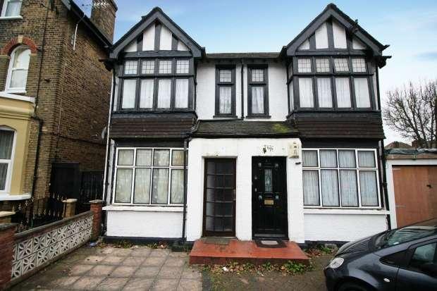 3 Bedrooms Maisonette Flat for sale in Dagnall Park Street, South Norwood, Greater London, SE25 5EG