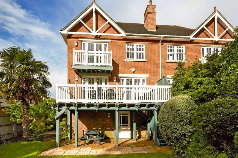 4 Bedrooms Semi Detached House for sale in The Riverside, Graburn Way, East Molesey, Surrey, KT8