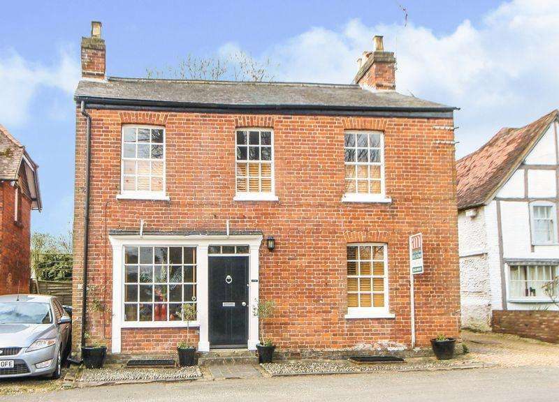 5 Bedrooms Detached House for sale in Little Marlow