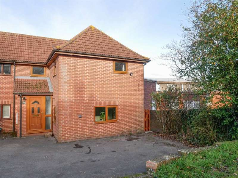 3 Bedrooms Semi Detached House for sale in Larch Drive, Kingsclere, Newbury, Hampshire, RG20
