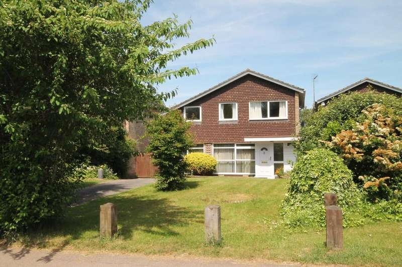 4 Bedrooms Detached House for sale in Roydon - Fishing Rights Mooring Opportunity